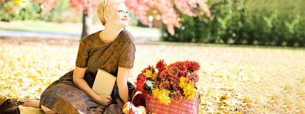 Blond Woman Flowers Apples 1280x480